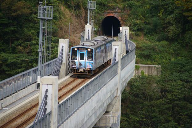 余部橋りょう ラッピング電車_03