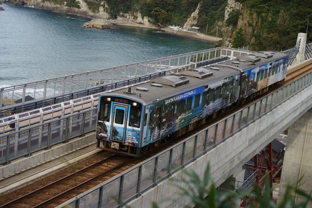 余部橋りょう ラッピング電車_05