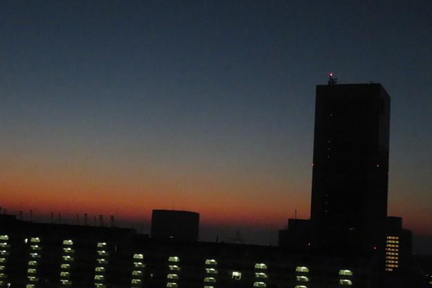 ポーアイ 夜明け前_02