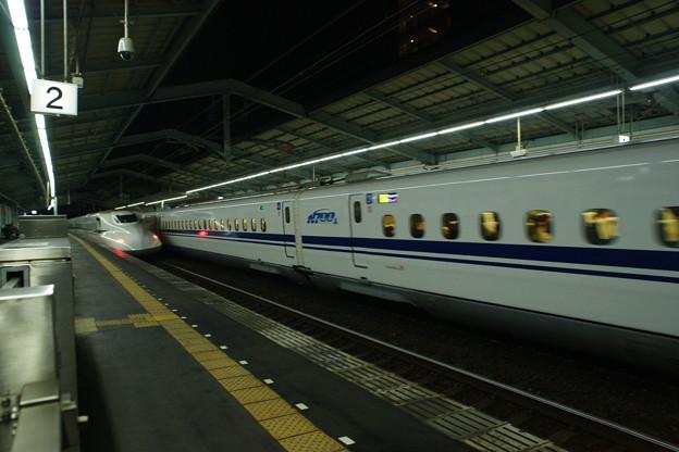 新神戸駅で のぞみ121号