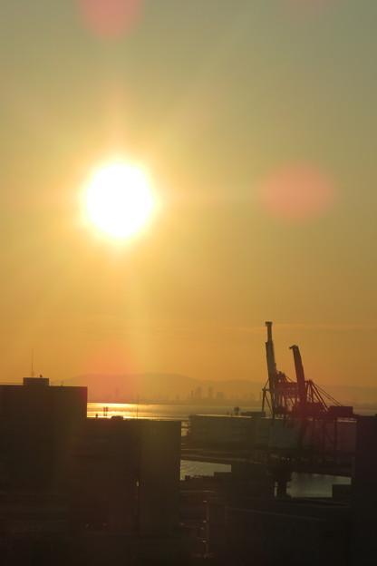 写真: ポーアイの朝日_03