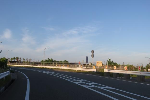 神戸空港へ 道路標識_04