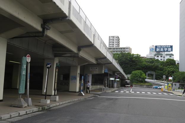新神戸駅の南入口_01
