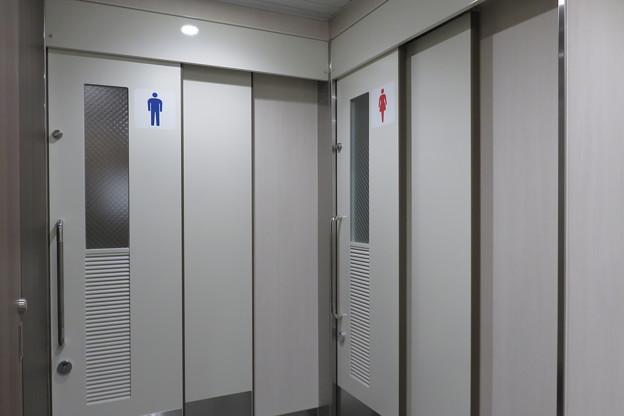 花隈駅 男女別トイレ