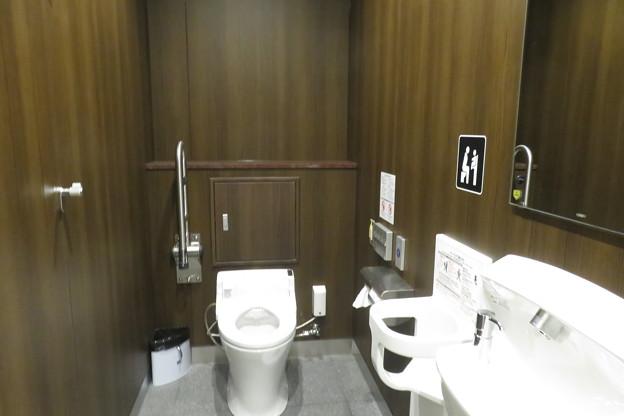 花隈駅 女子トイレ