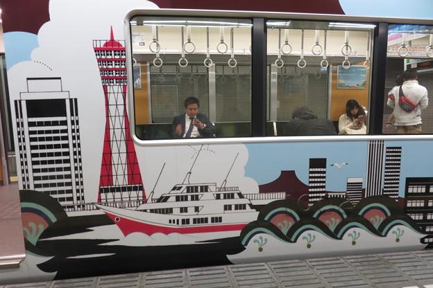 写真: 阪急電車 ラッピング電車_06