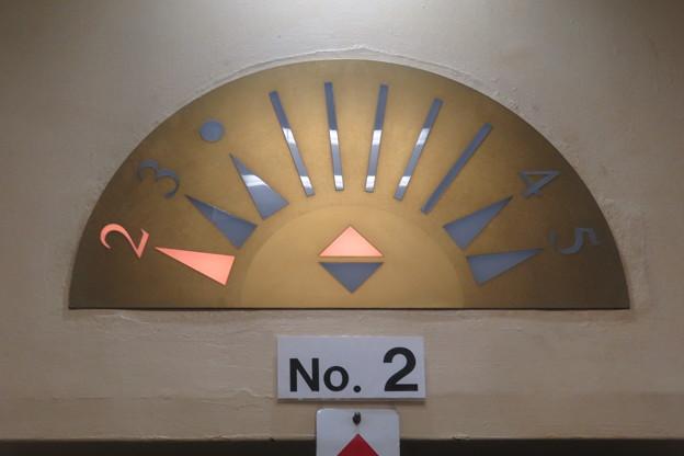 通天閣エレベーター 2F→5F_03