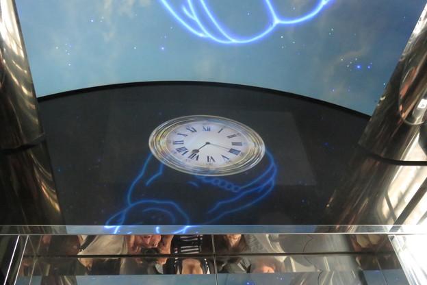 通天閣エレベーター 2F→5F_05