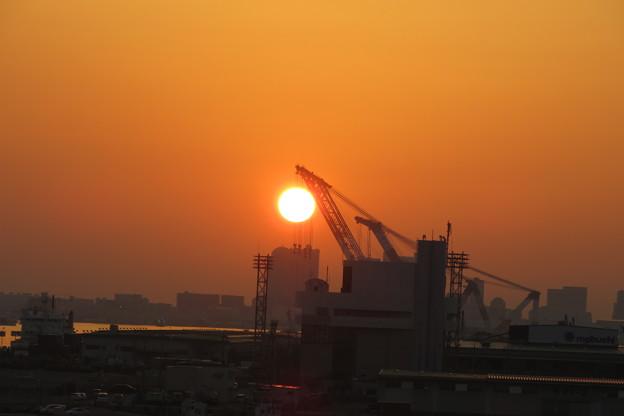 写真: ポートアイランドの朝日_02