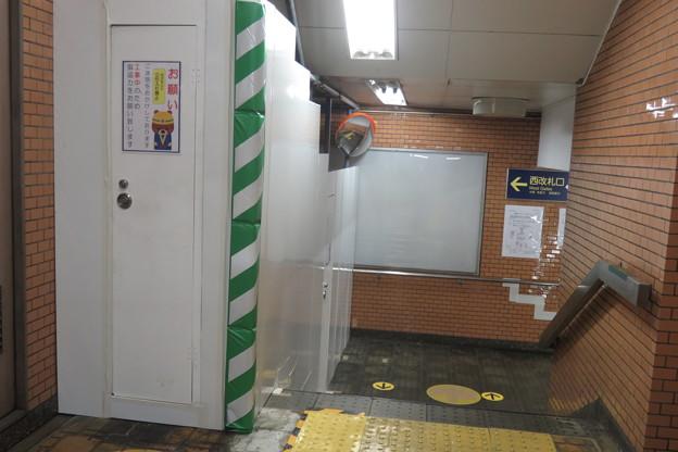 花隈駅バリアフリー 地下通路_04