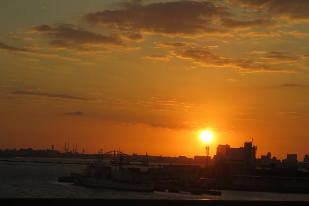 写真: 神戸大橋の朝日_02