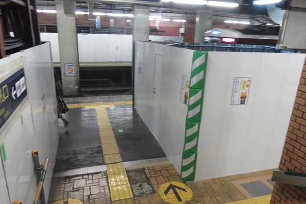 花隈駅 上りホームの工事_01