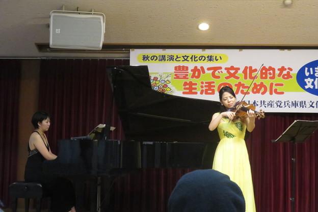 ヴィオラとピアノの演奏_01