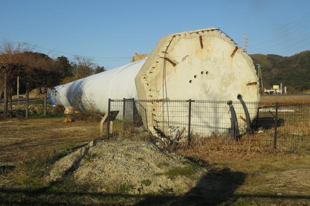 北淡町 倒れた風力発電の風車_05
