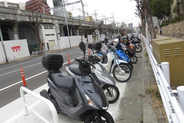 花隈駅 駐輪場(バイク)_02