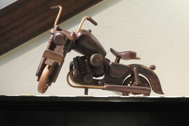 喫茶店のバイク