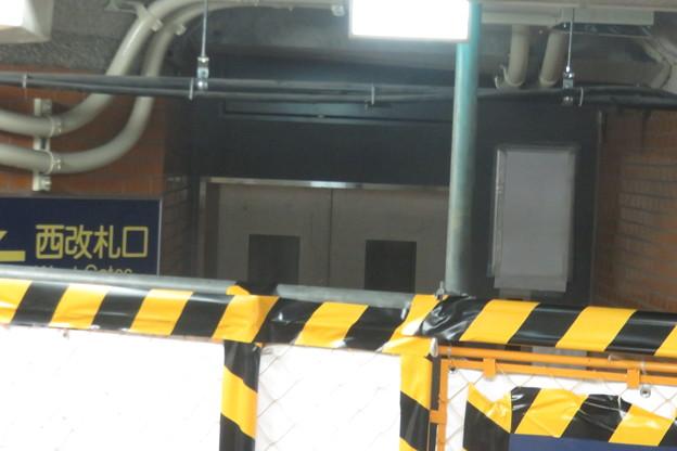 花隈駅 エレベーター完成間近_02
