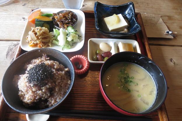 直島 昼食