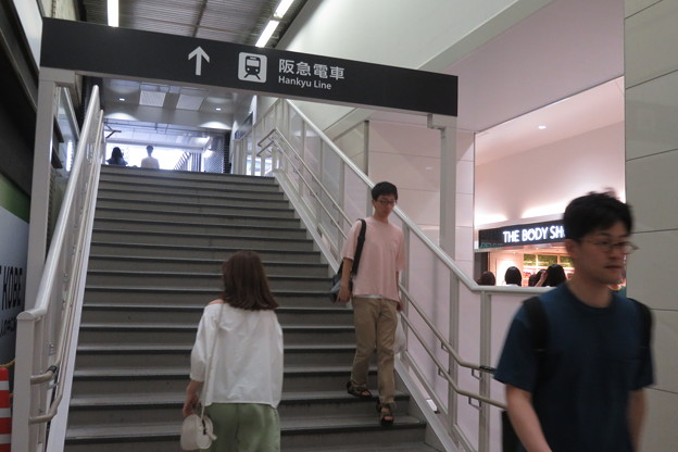 JR三ノ宮~阪急三宮へ_02