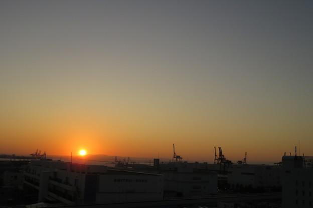 ポートアイランドの朝日_01
