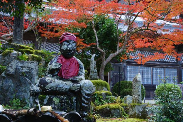 Photos: 円通寺 延命地蔵菩薩の紅葉