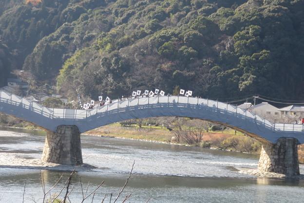 錦帯橋で寒風訓練