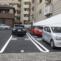 Photos: 平面駐車場 駐車車両増える_01