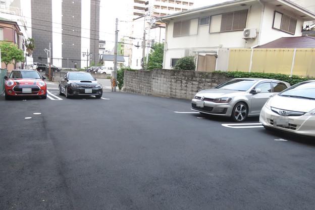 平面駐車場 駐車車両増える_02