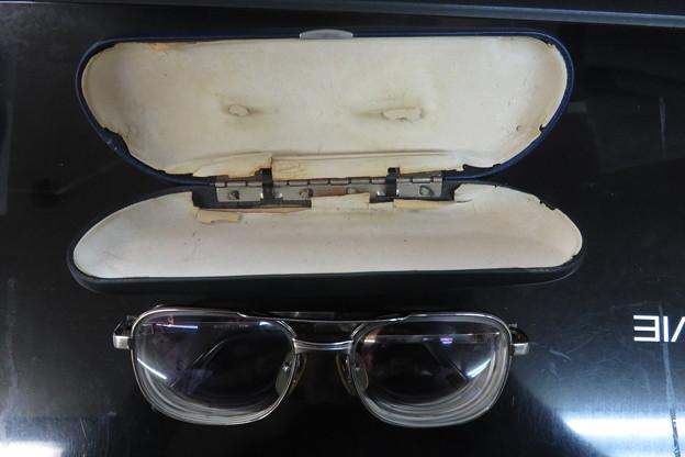 臨時で使っているガラスレンズのメガネ