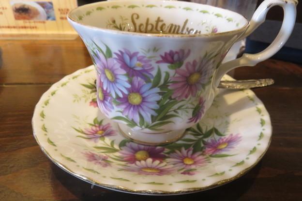 花のコーヒーカップ