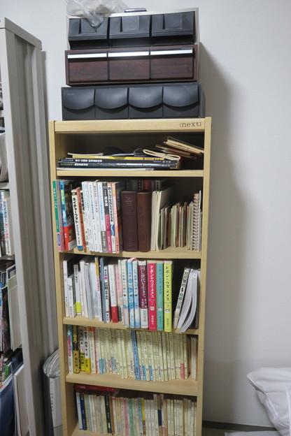 本棚 書籍や旅行資料など完了_02