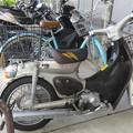 駐輪場のバイク_02