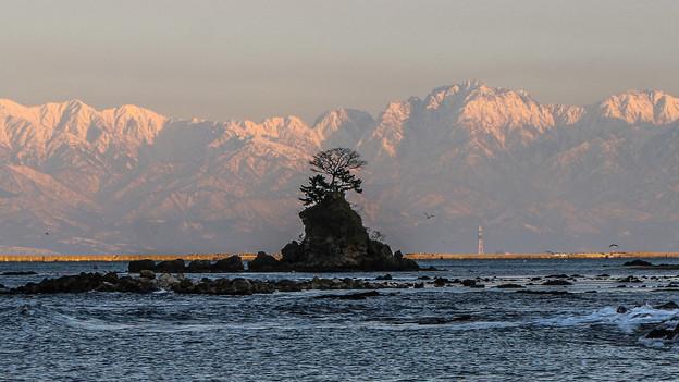 雨晴海岸から望む立山連峰 2