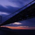 写真: 夕暮れの大橋