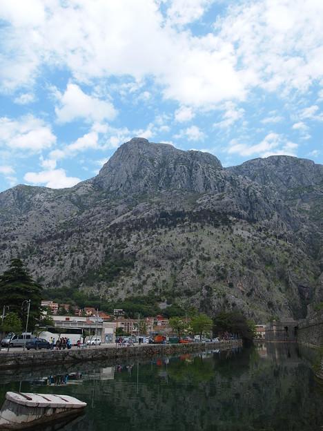 黒い山=モンテネグロ