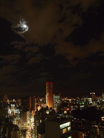 月のある夜