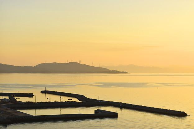 瀬戸内海 早春の夕凪
