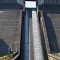 放流される鮎屋川ダム