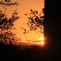 車窓からの眺めすれ違う夕焼け