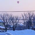 Photos: 朝焼けと気球