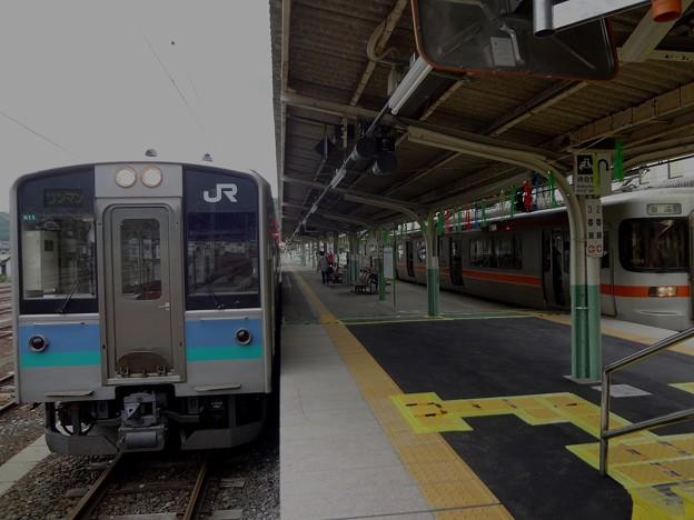 E127系と313系(辰野駅)