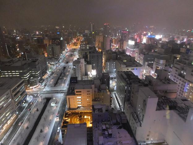 札幌市大通~さっぽろ雪まつり中のテレビ塔展望台夜景03
