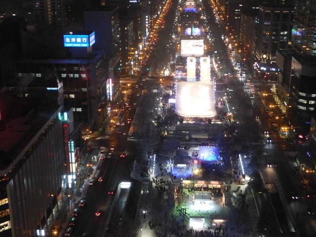 札幌市大通~さっぽろ雪まつり中のテレビ塔展望台夜景04