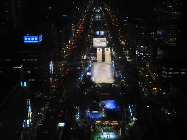 札幌市大通~さっぽろ雪まつり中のテレビ塔展望台夜景05