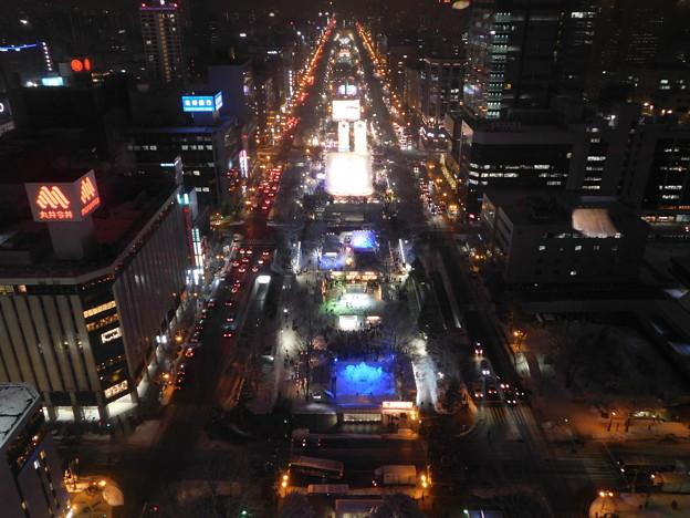 札幌市大通~さっぽろ雪まつり中のテレビ塔展望台夜景06