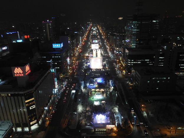 札幌市大通~さっぽろ雪まつり中のテレビ塔展望台夜景07