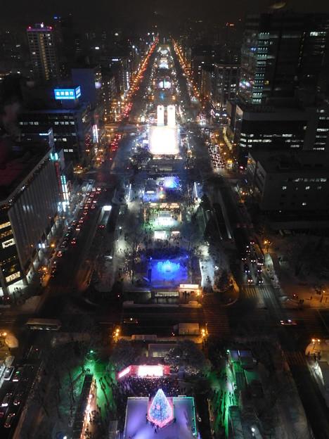 札幌市大通~さっぽろ雪まつり中のテレビ塔展望台夜景08