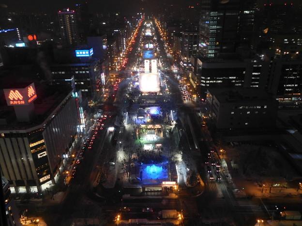 札幌市大通~さっぽろ雪まつり中のテレビ塔展望台夜景09