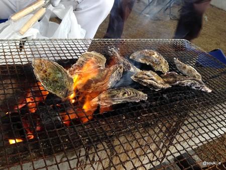 牡蠣を焼くよ!