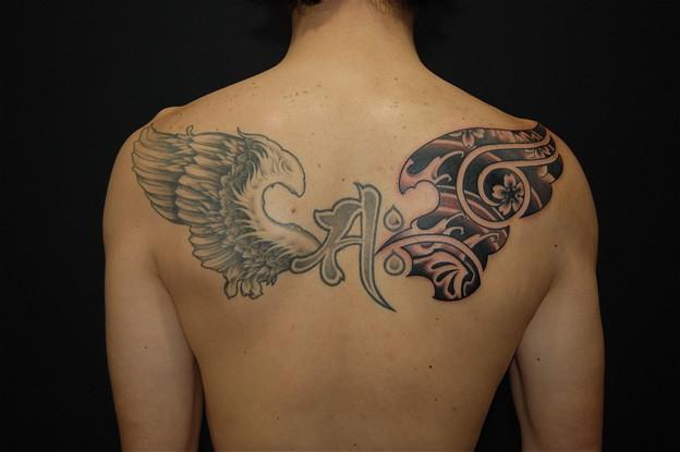 大阪 刺青 タトゥー/羽/翼/梵字/サク/ブラック&グレー/トライバル